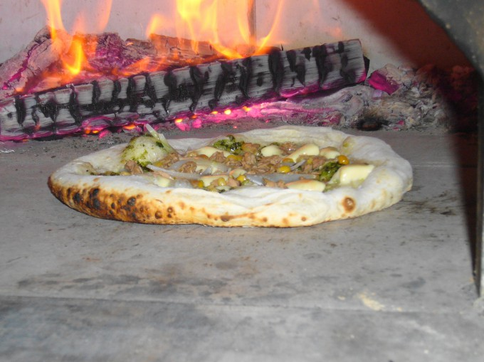 炉内のピザ焼け具合